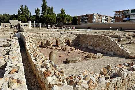 Ciudad romana de complutum foro trama urbana y casa de for Ciudad 10 alcala de henares