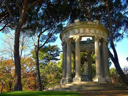 Parque el capricho de la alameda osuna for Jardines el capricho