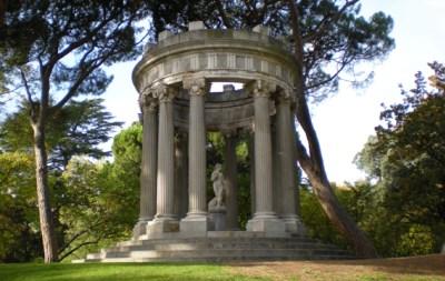 Paseo rom ntico por el jard n del capricho en parque el for Jardin historico el capricho paseo alameda de osuna 25